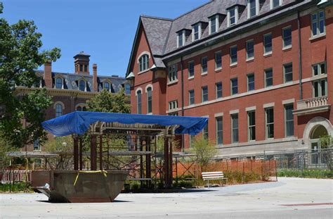 Halfway House - an unknown campus landmark | The Daily Illini
