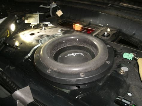 I-026: 2005 RL Subwoofer Replacement in Factory Rear Deck