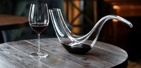 What is decanting? - WhatMaster