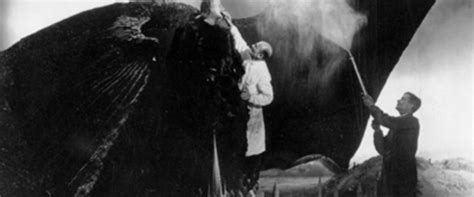 Faust Movie Review & Film Summary (1926) | Roger Ebert