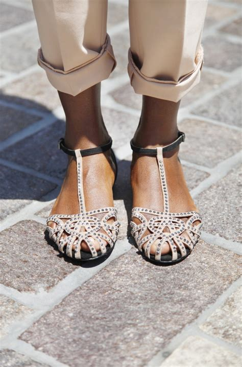 Trendy Flat Sandals For Spring-Summer Vacation 2021
